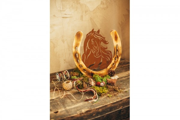 Pferdeportrait mit Holz auf Platte #303